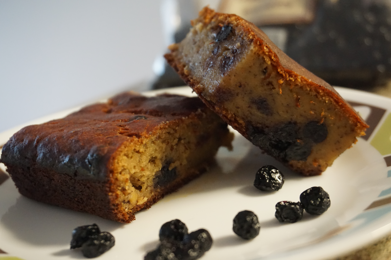 Eggless Whole Wheat Banana Blueberry Cake – Super Moist And Healthy