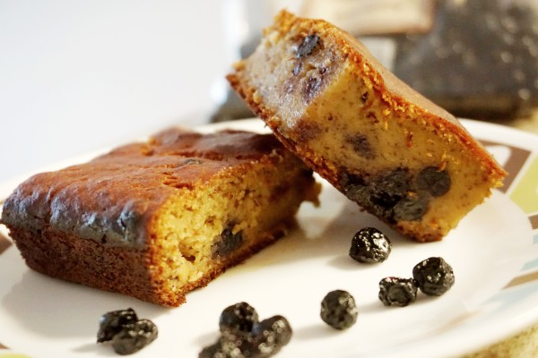 eggless whole wheat banana blueberry cake
