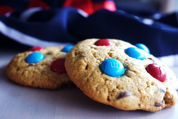 Cookies with red and blue M&Ms on top